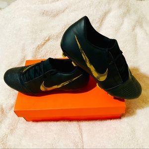 Nike - PHANTOM VENOM CLUB FG Size 10